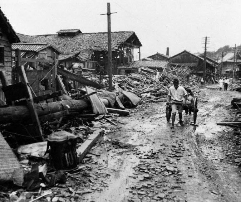 Руины Нагасаки после атомной бомбардировки. Сентябрь 1945 г.