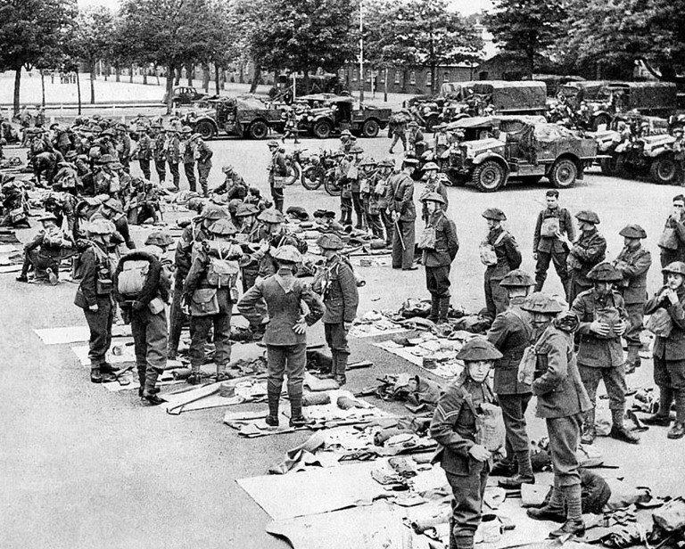 Британские солдаты, прибывшие домой. Июнь, 1940 г.