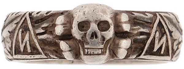 Кольцо СС «Мертвая голова».