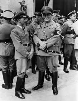 Йозеф Геббельс и Герман Геринг. 1944 г.