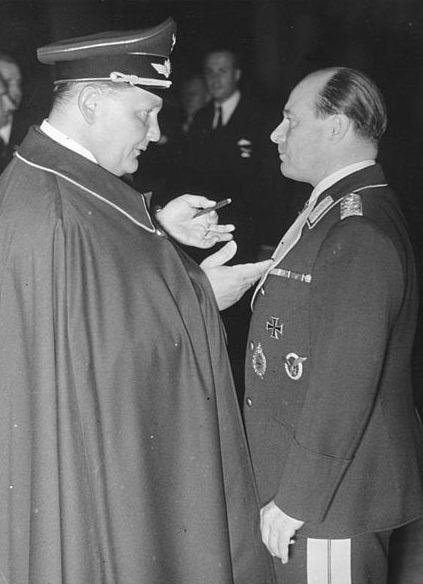 Герман Геринг и Ернст Удет. 1938 г.