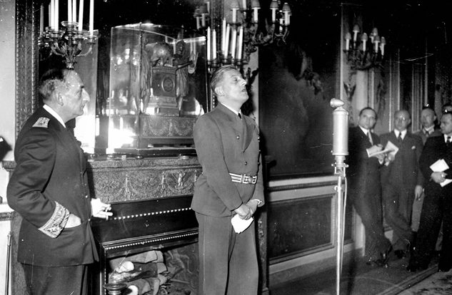 Отто Абец и Фернан де Бринон на прессконференции. Париж. 1940 г.