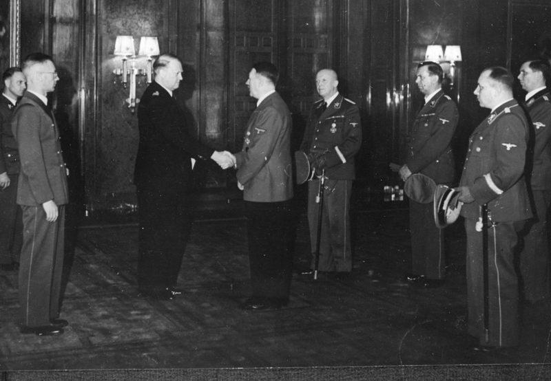 Мартин Борман на встрече Гитлера и Квислинга. Берлин. 1942 г.