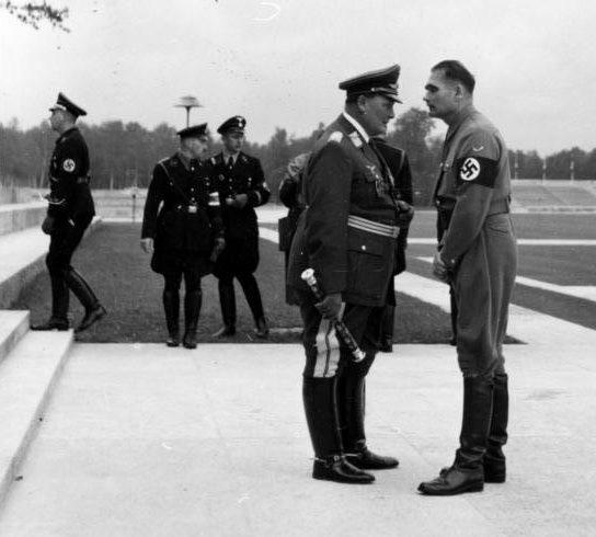 Герман Геринг и Рудольф Гесс. 1938 г.