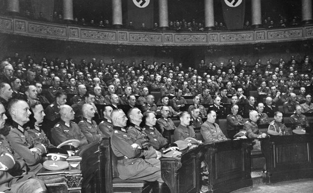 Отто Абец на совещании. Париж.1940 г.