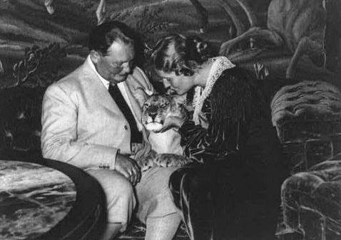 Герман Геринг с женой и тигром. 1938 г.