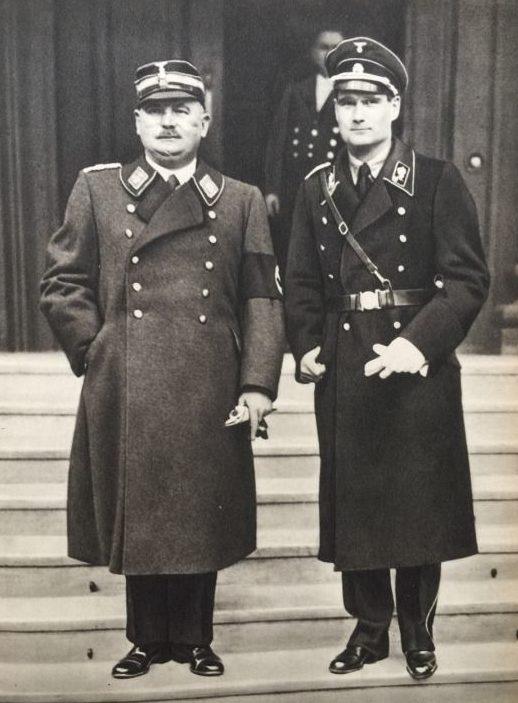 Рудольф Гесс и Эрнст Рем. 1932 г.