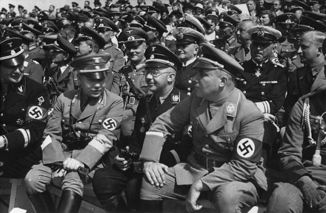 Мартин Борман и Генрих Гиммлер. 1944 г.