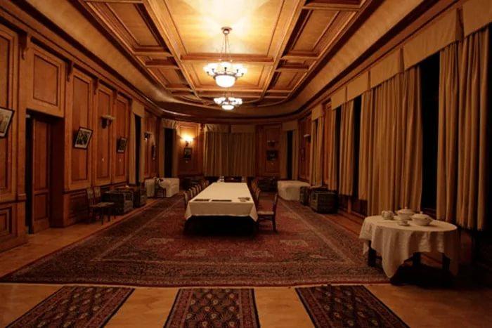 Обеденный зал.