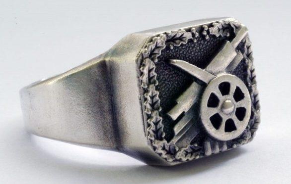 Патриотические перстни немецких солдат. Изготовлены из серебра 800-ой пробы, зачастую с применением чернения.