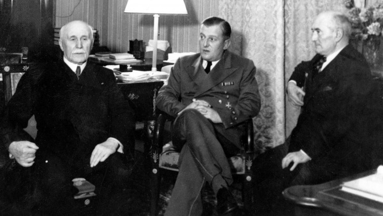 Отто Абец, маршал Петен и адмирал Дарлан. Париж. 1942 г.