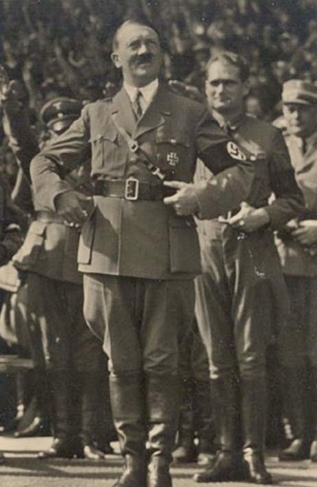 Рудольф Гесс и Адольф Гитлер. 1933 г.