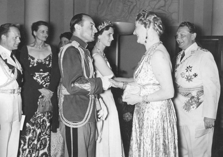 Герман Геринг с женой Эмми принимают принца Югославии Павла в замке Шарлоттенбург. 1939 г.