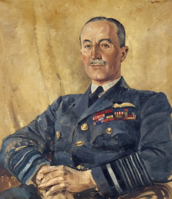 McIntyre Peter. Маршал авиации Cyril Newall.