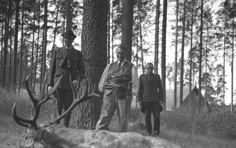Герман Геринг на охоте. 1940 г.