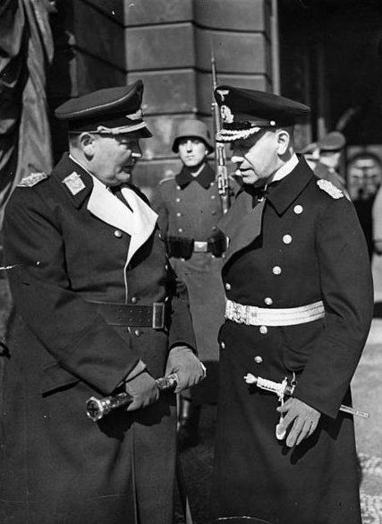 Герман Геринг и Гросс-адмирал Редер. Берлин. 1940 г.