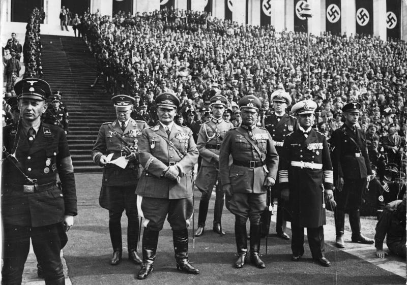 Рудольф Гесс и Герман Геринг на съезде НСДАП. Ньюрнберг.1936 г.