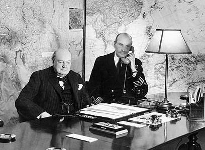 Черчилль в бункере.