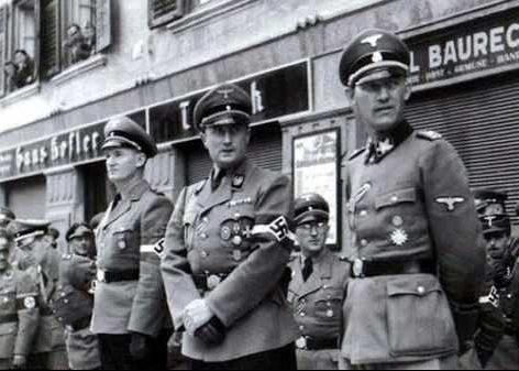 Артур Аксман на военном параде. 1942 г.