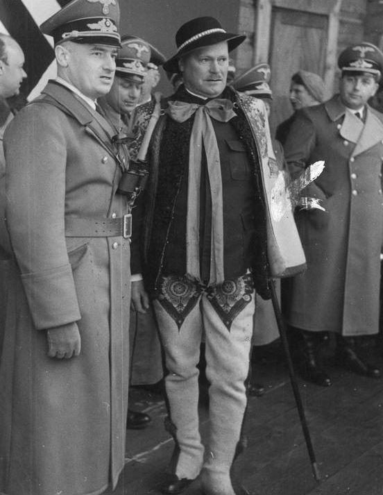 Йозеф Бюлер и Генрик Сзаткауски. 1940 г.