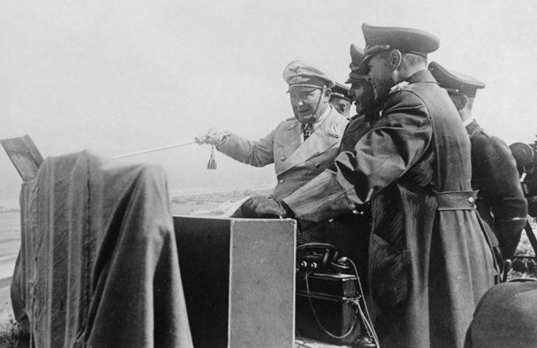 Герман Геринг на полевом командном пункте. 1940 г.