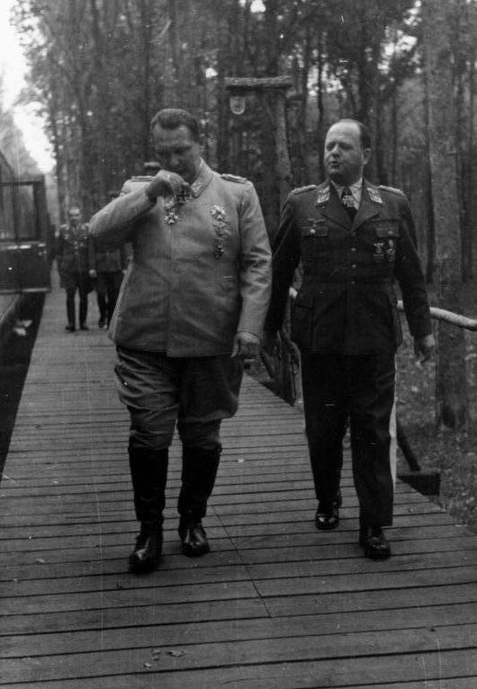 Герман Геринг и Эрхард Мильх. 1940 г.