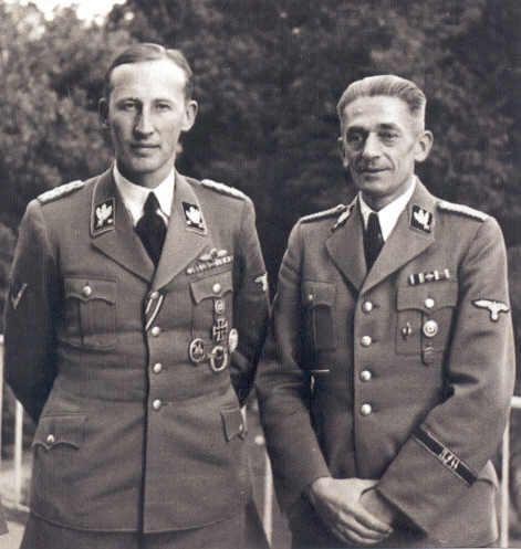 Рейнгард Гейдрих и Карл Герман Франк. Прага.1942 г.