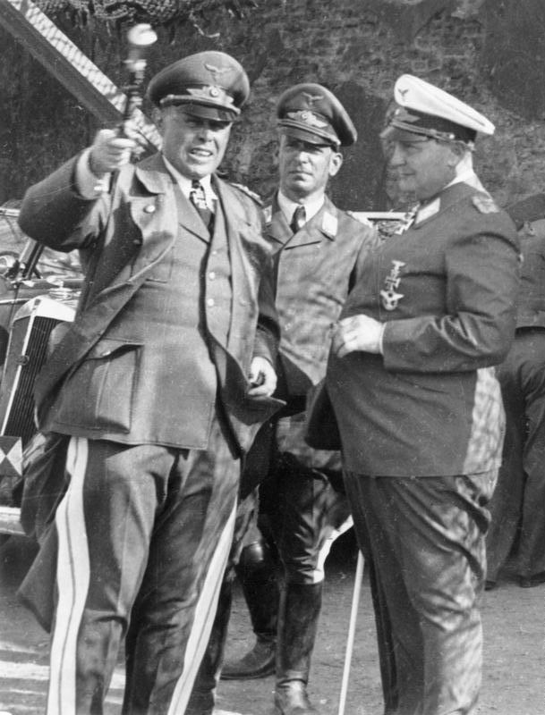 Герман Геринг, Альберт Кессельринг и Вильгельм Шпайдель. 1940 г.