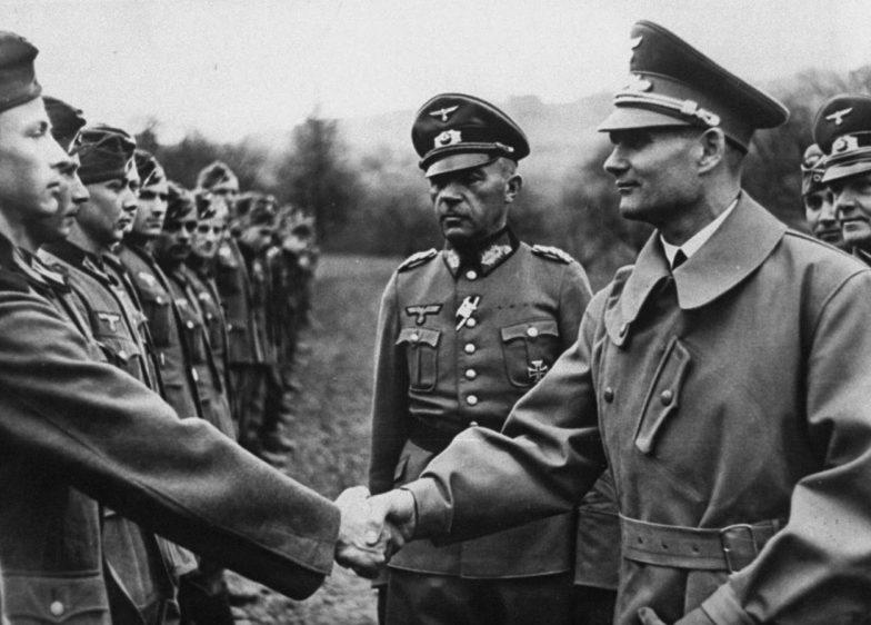 Рудольф Гесс на фронте. Польша. 1939 г.