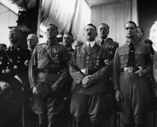 Рудольф Гесс и Адольф Гитлер. 1939 г.