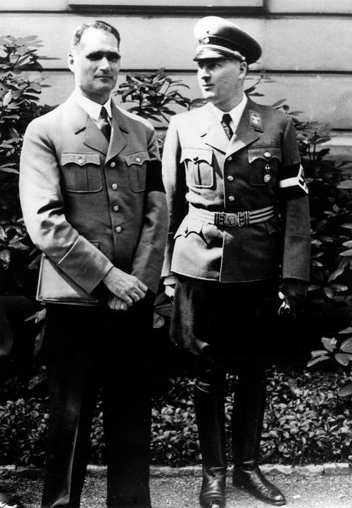 Рудольф Гесс и Бальдур фон Ширах. 1939 г.