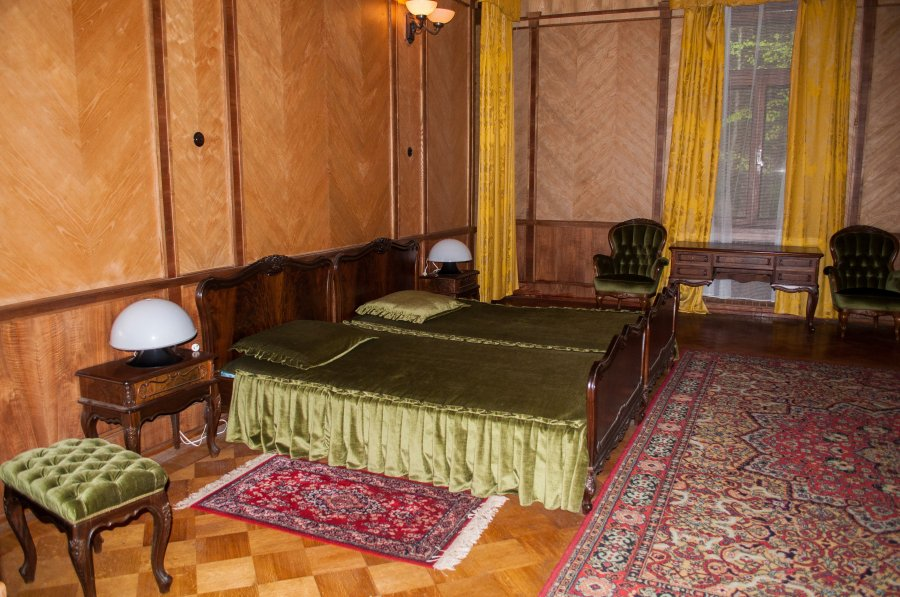 Одна из спален Сталина.