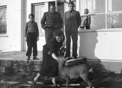 Йозеф Бюркель со своей семьей. 1939 г.