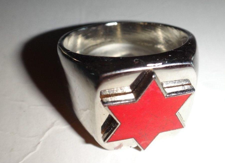 Кольцо 6-й дивизии, изготовленные из серебра с применением цветной горячей эмали.