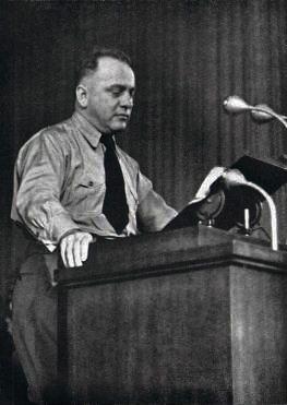 Йозеф Бюркель на трибуне. 1940 г.