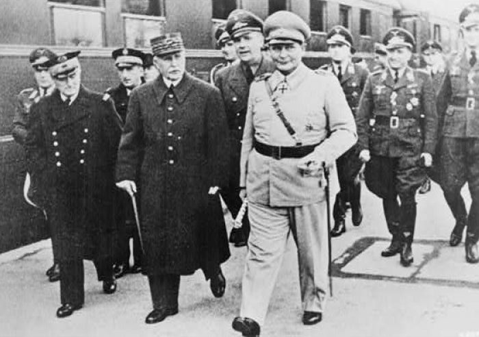 Герман Геринг и маршал Петен. 1941 г.