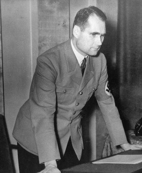 Рудольф Гесс в кабинете. 1941 г.