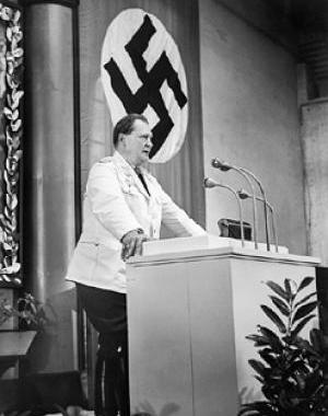 Герман Геринг на трибуне. 1941 г.