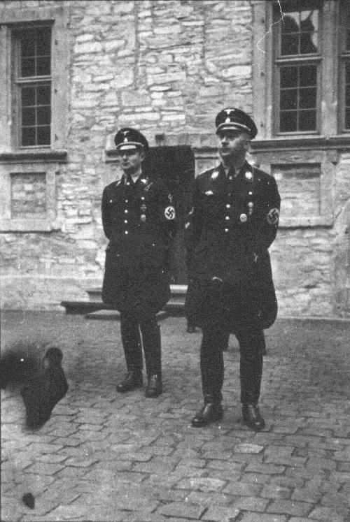 Карл Вольф и Генрих Гиммлер. 1935 г.