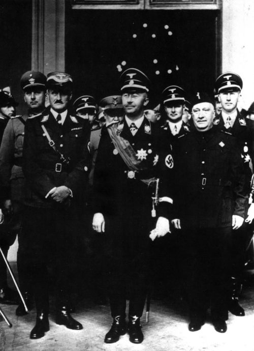 Карл Вольф сопровождает Генриха Гимлера во время визита в Италию. Рим. 1937 г.