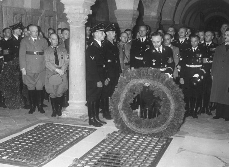 Карл Вольф на торжественной царемонии. 1938 г.