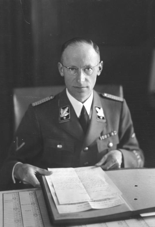 Герберт Баке в рабочем кабинете. Берлин. 1942 г.
