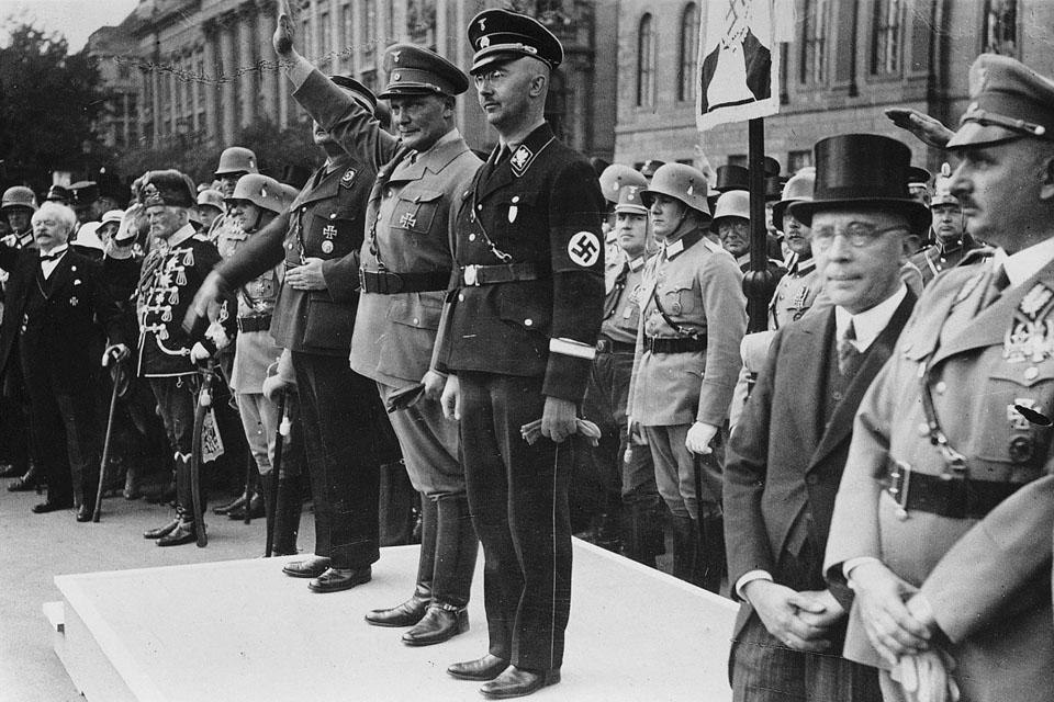 Герман Геринг и Генрих Гиммлер.1943 г.