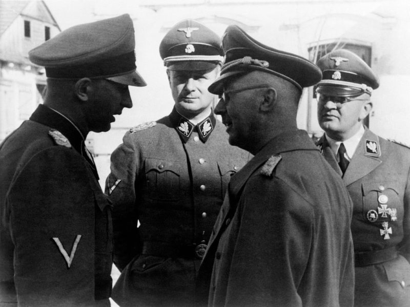 Карл Вольф, Генрих Гиммлер, Герман Фегеляйн и Ханс Juttner. 1940 г.