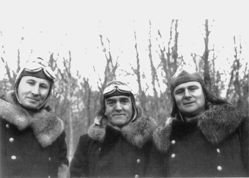 Карл Вольф, Рейнхард Хейдрич, Освальд Поль в шубах и шлемах. 1940 г.