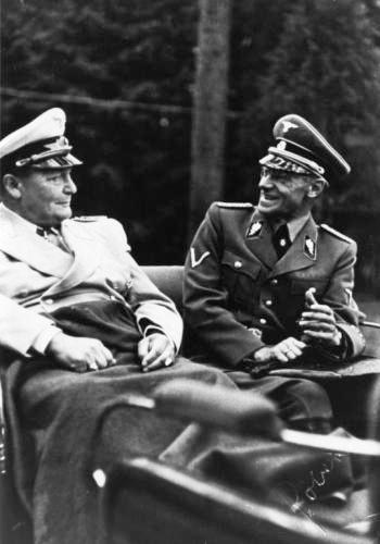 Герберт Баке и Генрих Геринг. 1943 г.