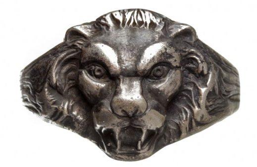 Кольца офицеров Кригсмарине, выполненные из серебра 835-ой пробы с изображением головы льва.
