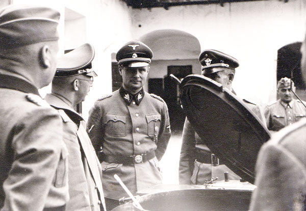 Карл Вольф и Генрих Гиммлер с инспекцией войск в Украине. 1941 г.