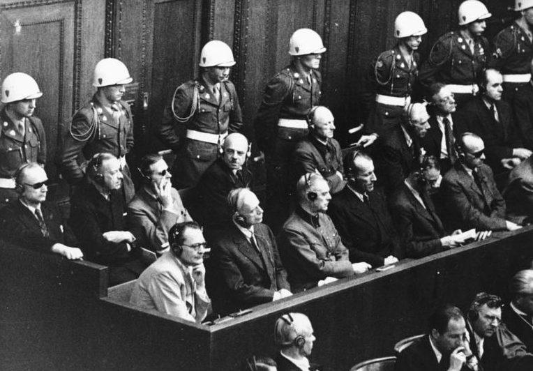 Геринг и Гесс на Нюрнбергском процессе. 1946 г.