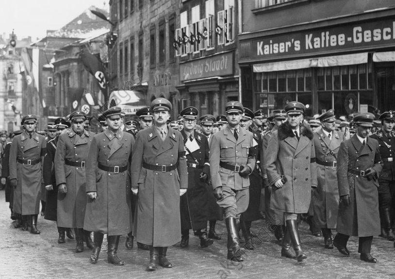 Руст Бернгард на похоронах Ханса Шемма. 1935 г.